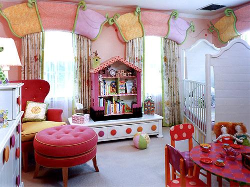 Как сделать оформление окон в детской комнате своими руками